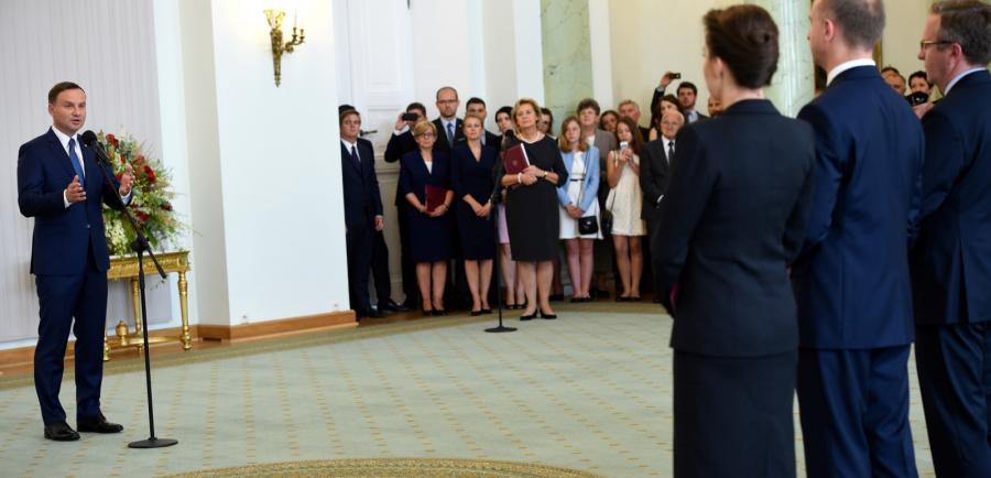 Prezydenta Andrzej Duda podczas uroczystości powołania Szefa Kancelarii Prezydenta RP, szefa Biura Bezpieczeństwa Narodowego oraz Ministrów KPRP
