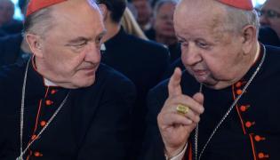 Metropolita krakowski kard. Stanisław Dziwisz (z prawej) i arcybiskup metropolita warszawski Kazimierz Nycz