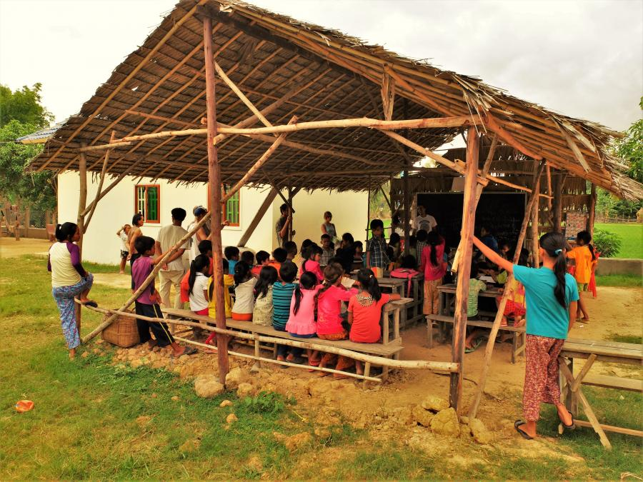Szkoła we wsi Po