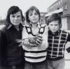 John Payne, lat 12, jego przyjaciele i gołąb