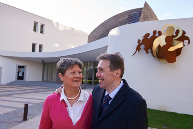 Uzdrowiony za wstawiennictwem bł. ks. Jerzego Popiełuszki Francuz Francois Audelan z żoną Chantal
