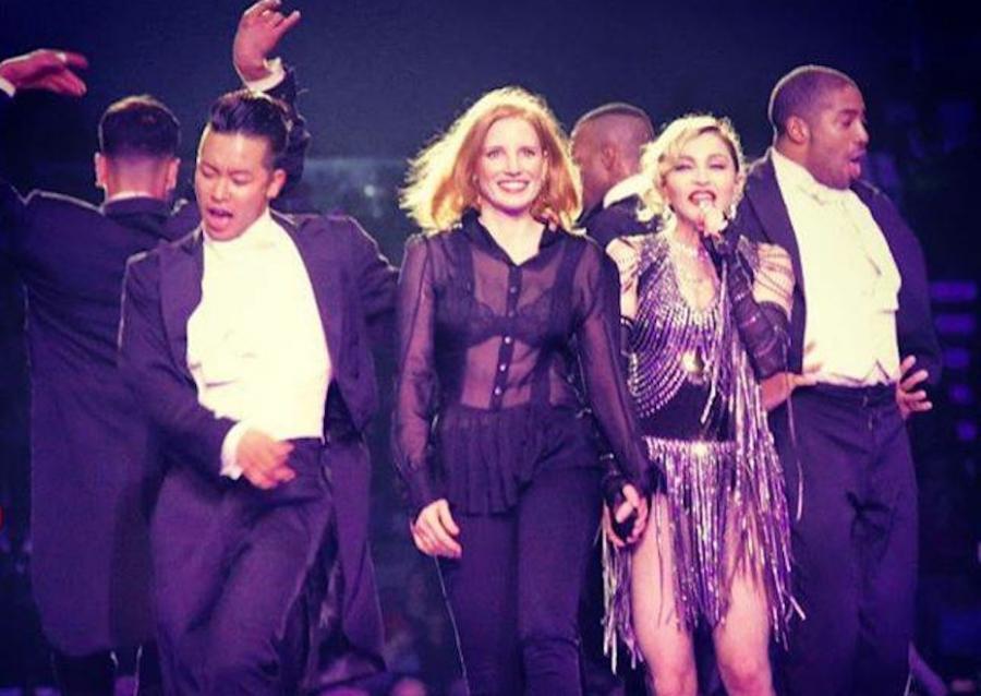 Jessica Chastain z Madonną na scenie