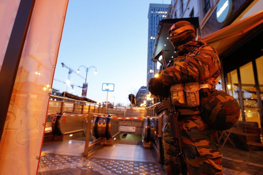 Alarm terrorystyczny w Brukseli
