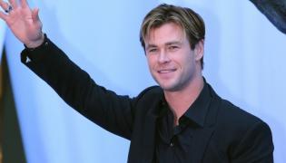 """Chris Hemsworth na premierze filmu """"W samym sercu morza"""" w Meksyku"""