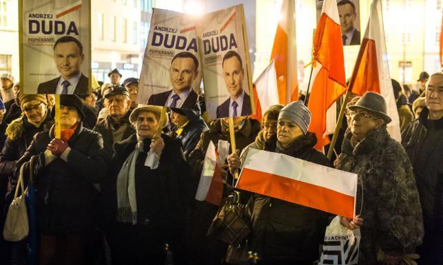 Manifestacja poparcia dla prezydenta Dudy. \