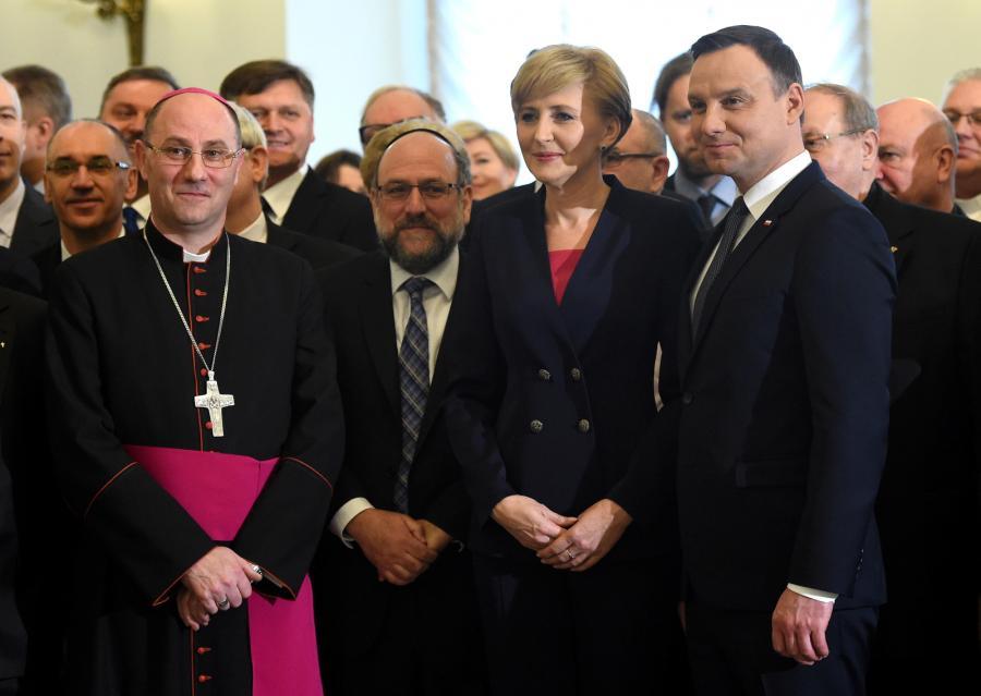 Prezydent Andrzej Duda z żoną Agatą Kornhauser-Dudą, prymas Polski abp Wojciech Polak i naczelny rabin Polski Michael Schudrich