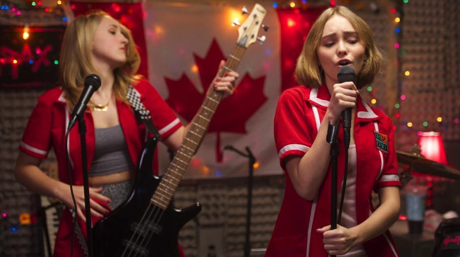 "Lily-Rose Depp i Harley Quinn Smith w filmie ""Yoga Hosers"""