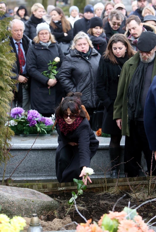Sophie Marceau podczas pogrzebu Andrzeja Żuławskiego