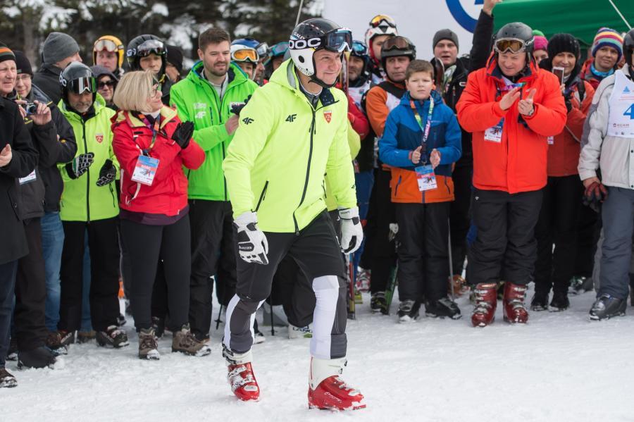 Prezydent RP Andrzej Duda na stoku, podczas Mistrzostw Polski Parlamentarzystów i Samorządowców w narciarstwie alpejskim