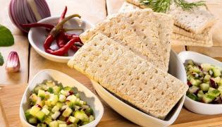 Salsa ogórkowa z chlebkami
