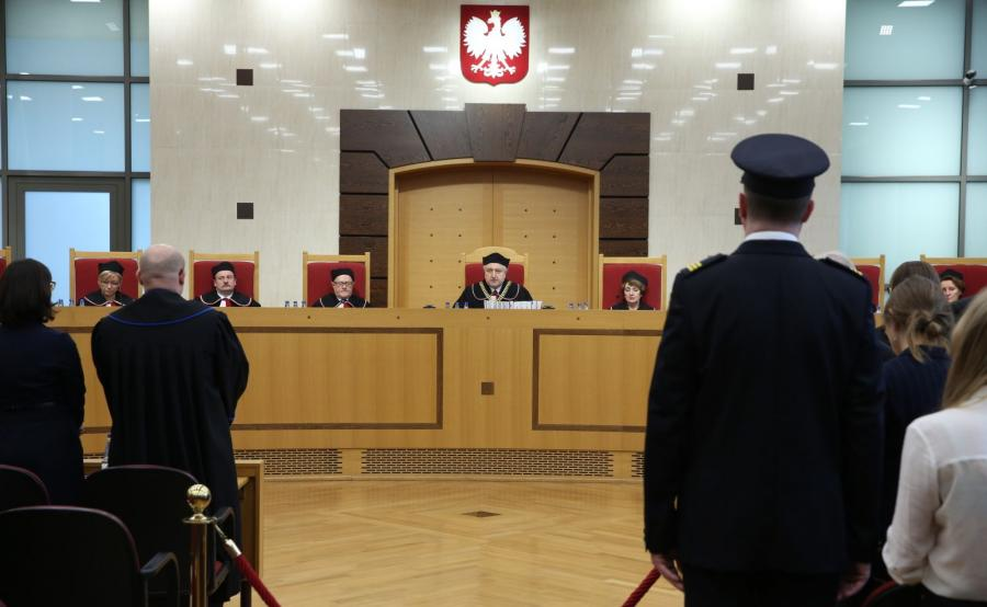 Przewodniczący Trybunału Konstytucyjnego Andrzej Rzepliński podczas ogłaszania wyroku w sprawie nowelizacji ustawy o Trybunale autorstwa PiS