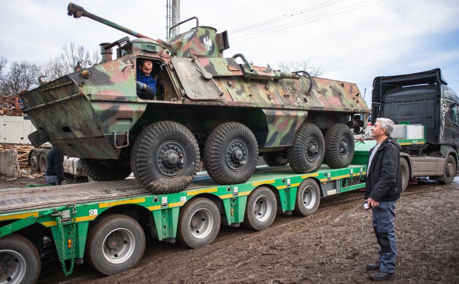 Transporter opancerzony SKOT, który trafił na złomowisko Holdmar