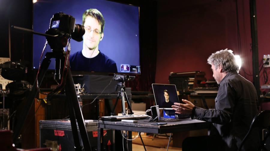 Jean Michel Jarre i Edward Snowden podczas wspólnej pracy