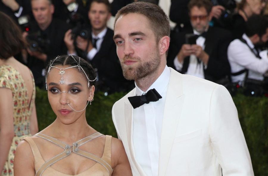 FKA Twigs i Robert Pattinson na Met Gala 2016