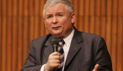 Kaczyński w Radiu Maryja: Tusk kpi z narodu