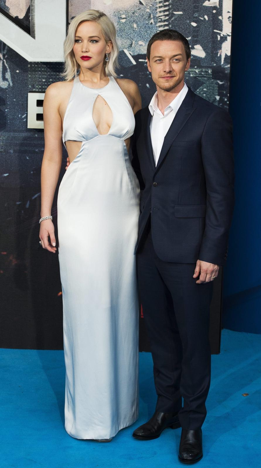 """Jennifer Lawrence i James McAvoy na europejskiej premierze """"X-Men: Apocalypse"""""""