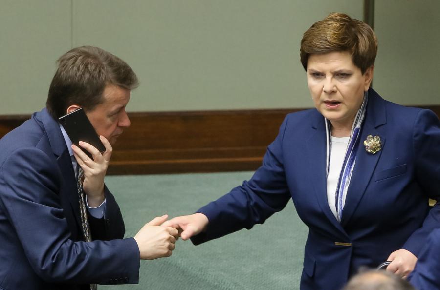 Mariusz Błaszczak i Beata Szydł w Sejmie