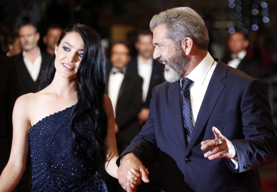 "Mel Gibson i Rosalind Ross na premierze filmu ""Blood Father"""