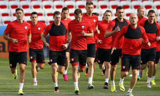 W takim składzie Polacy wybiegną na mecz z Irlandią Północną. Na nich postawi Adam Nawałka