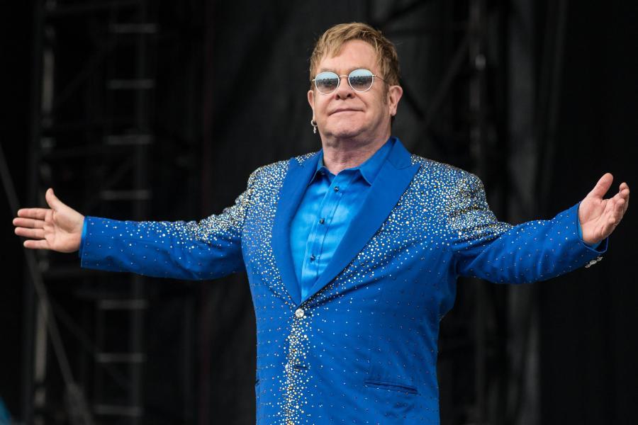 Life Peace Music... Elton John wystąpi w Oświęcimiu
