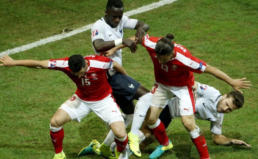 Piłkarze Szwajcarii podczas meczu z Francją