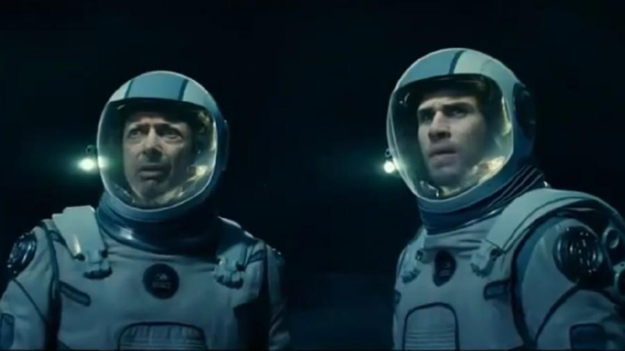 Jeff Goldblum i Liam Hemsworth w filmie \
