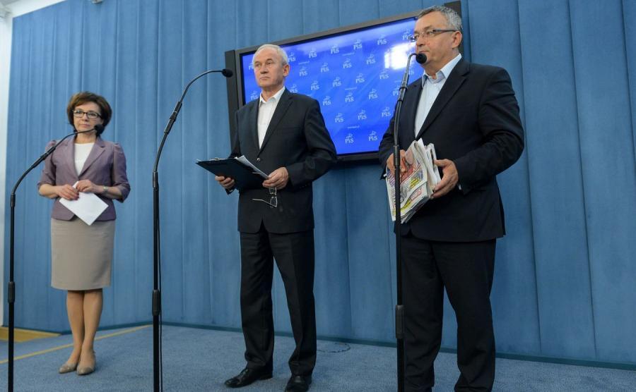 Elżbieta Witek, Krzysztof Tchórzewski i Andrzej Adamczyk z PiS