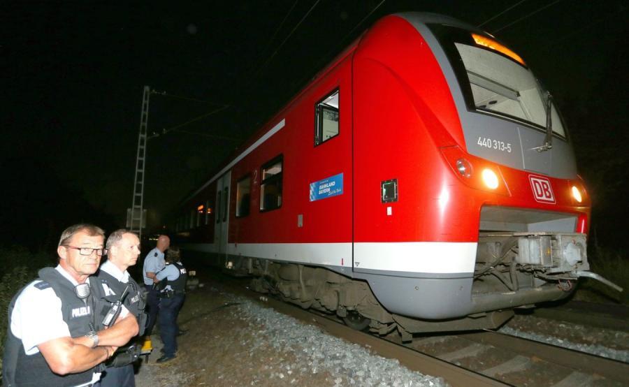 Uzbrojony w topór i nóż 17-letni Afgańczyk zaatakował pasażerów pociągu