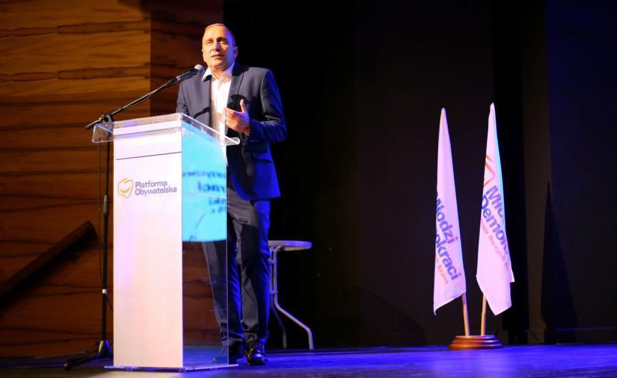 Grzegorz Schetyna w czasie zjazdu Młodych Demokratów