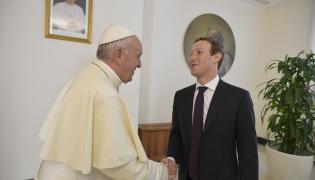 Papież Franciszek przyjął na audiencji Marka Zuckerberga i jego żonę Priscillę Chan