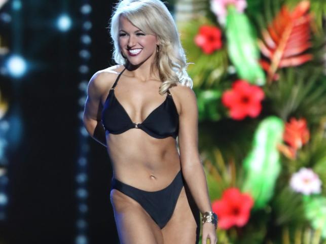 Miss Ameryki Savvy Shields