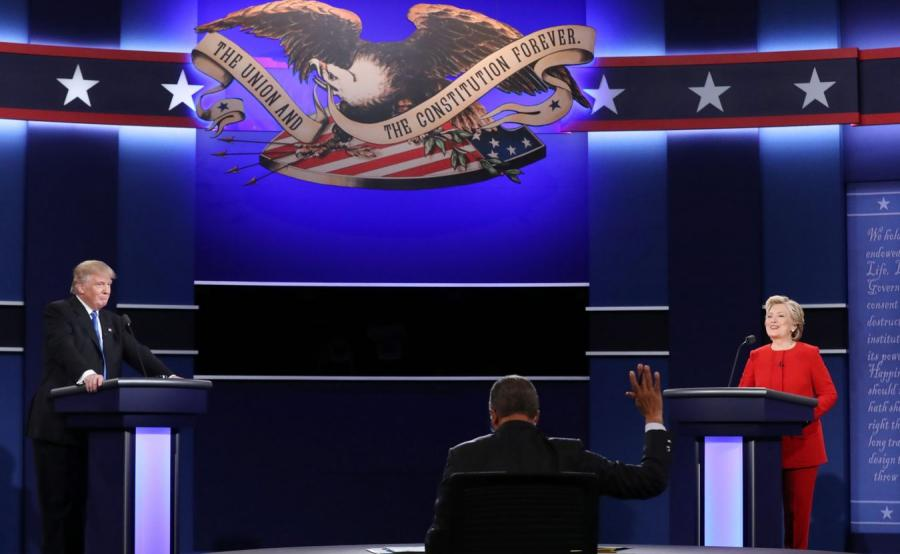 Donald Trump i Hillary Clinton podczas debaty
