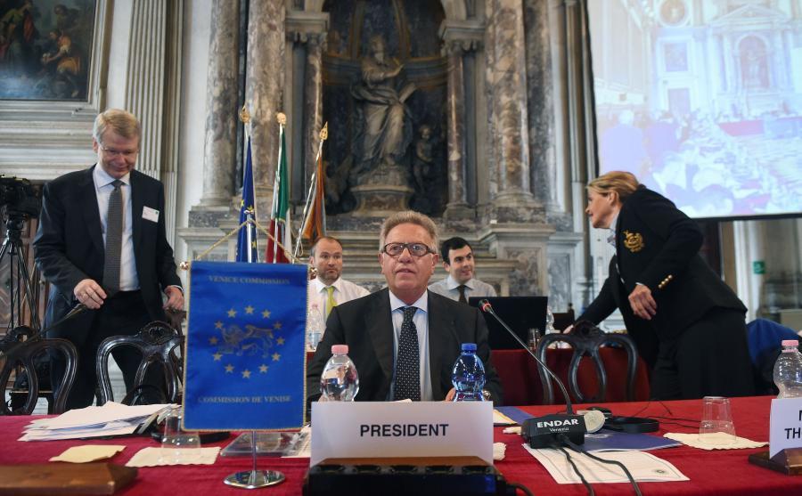 Komisja Wenecka przyjęła opinię na temat ustawy o Trybunale Konstytucyjnym