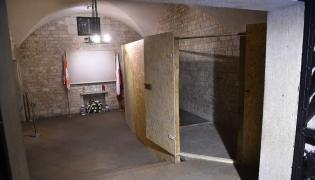 Miejsce po sarkofagu w krypcie na Wawelu
