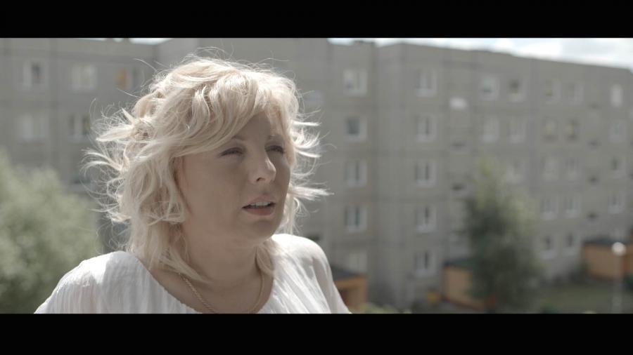 """Marzena Więcek w filmie """"Kolekcja sukienek"""" - obraz w kinach od 9 grudnia 2016 roku"""