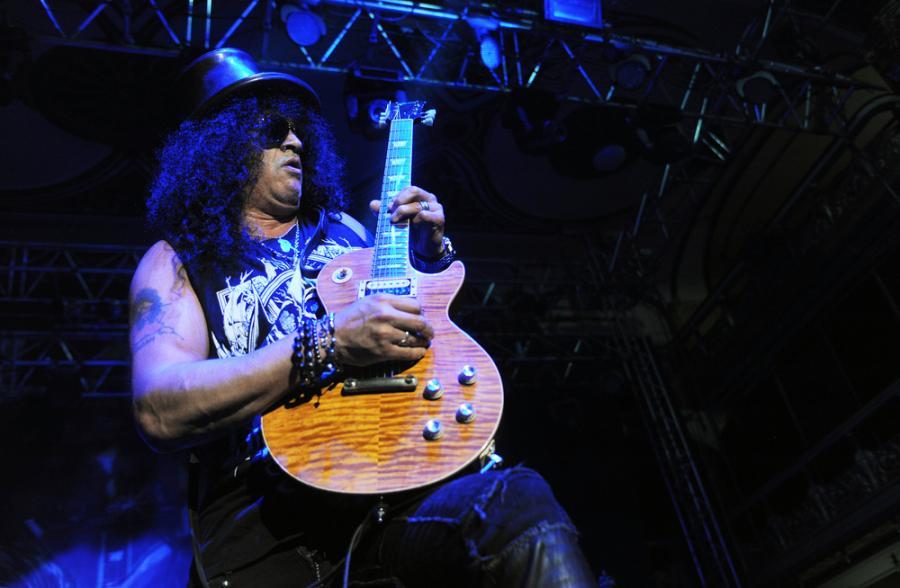 Wielkim wydarzeniem jest powrót zespołu Guns N'Roses w składzie ze Slashem, Duffem McKaganem, Dizzy Reedem. Na czele zespołu, zgodnie z jego nazwą stoi charyzmatyczny W.Axl Rose. Grupa przyjedzie do Polski 20 czerwca, zagra na gdańskim stadionie. Bilety kosztują od 227 złotych w górę i ucieszą zarówno młodych zbuntowanych, jak i tych, którzy słuchali rocka w latach 90tych.