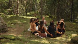 """Kadr z filmu """"Szwedzka teoria miłości"""""""