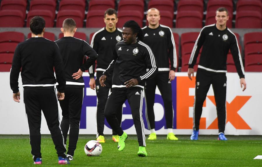 Napastnik Legii Warszawa Daniel Chima Chukwu (C), podczas treningu drużyny w Amsterdamie