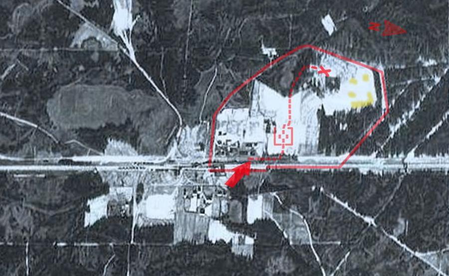 Fotografia lotnicza przedstawiająca obóz zagłady w Sobibiorze (zdjęcie prawdopodobnie z 1942 r.)